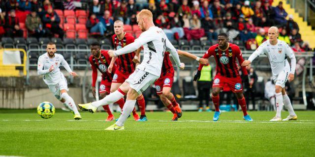 Nils Fröling för 2-1. JOHAN AXELSSON / BILDBYRÅN