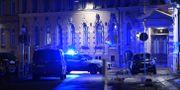 Arkivbild: Polis och räddningstjänst larmades till Judiska församlingen i Göteborg i december 2017, sedan flera personer setts kasta brinnande föremål mot synagogan.  Adam Ihse/TT / TT NYHETSBYRÅN