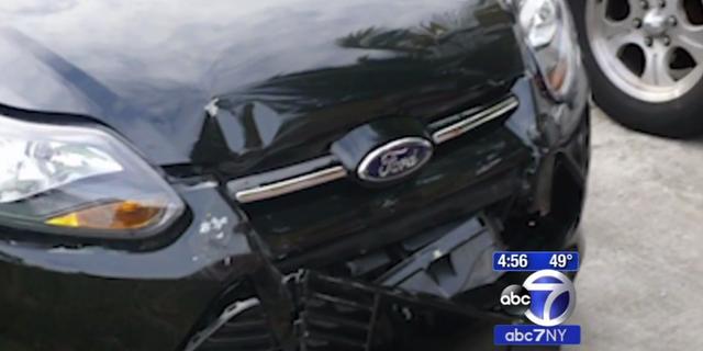 Smart Bil Larmade Polis När Föraren Smet Från Krock Omni