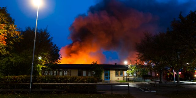 Två tredjedelar av Gottsundaskolan förstördes i branden. Staffan Claesson/TT / TT NYHETSBYRÅN