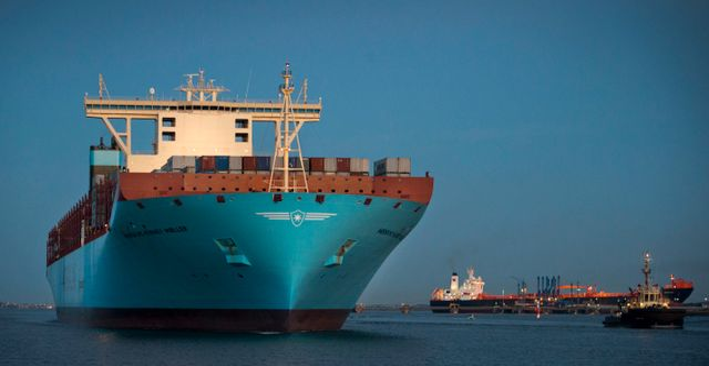 Det 400 meter långa containerfartyget Mærsk Mc-Kinney Møller utanför Göteborgs hamn.  Björn Larsson Rosvall / TT / TT NYHETSBYRÅN