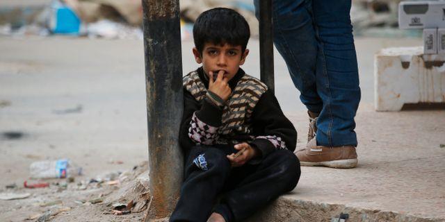Ett barn i Afrin/arkivbild.  Lefteris Pitarakis / TT NYHETSBYRÅN