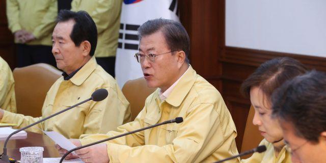 Moon Jae-in på en presskonferens.  Lee Jin-wook / TT NYHETSBYRÅN
