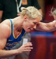 Jenny Fransson till vänster.  Aleksandar Djorovic/TT / TT NYHETSBYRÅN