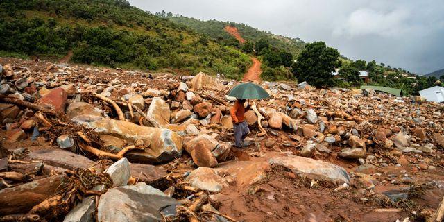 Tiotusentals i Chimanimani bor fortfarande i tillfälliga boenden. ZINYANGE AUNTONY / TT NYHETSBYRÅN