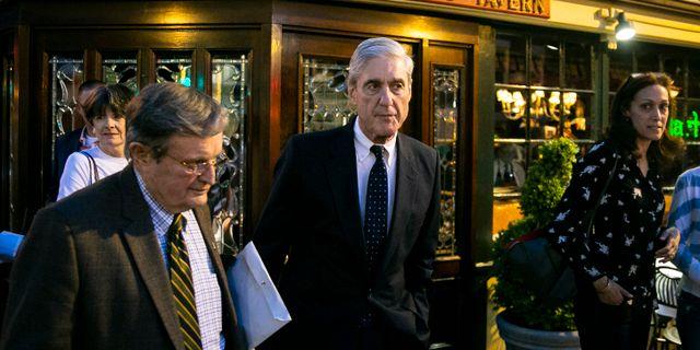 Robert Mueller i mitten. Al Drago / TT NYHETSBYRÅN/ NTB Scanpix