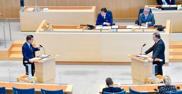 Moderaternas partiledare Ulf Kristersson (M) och Socialdemokraternas partiledare Stefan Löfven (S) under den första partiledardebatten. Henrik Montgomery/TT / TT NYHETSBYRÅN