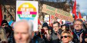 Demonstranter i Thüringen. JENS SCHLUETER / AFP
