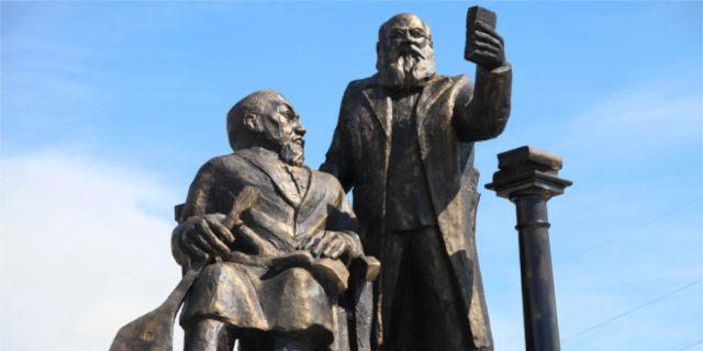 Monument skjuts pa framtiden