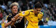 Denni Avdic i kamp med AIK:s Daniel Tjernström 2008. Bertil Ericson / TT / TT NYHETSBYRÅN