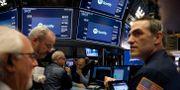 Handlare på Wall Street inväntar Spotifys notering på tisdagen. LUCAS JACKSON / TT NYHETSBYRÅN