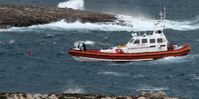 Räddningsaktion utanför Sicilien. Arkivfoto. Mauro Seminara / TT NYHETSBYRÅN