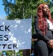Aysha Jones vid en demonstration 2020.  Jessica Gow/TT / TT NYHETSBYRÅN
