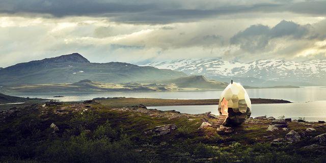 Bastun är en beställning från Riksbyggen som ville ha en symbol för Kirunas pånyttfödelse efter flytten. Riksbyggen