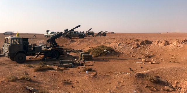 Artilleri utanför al-Bukamal tidigare i november. STRINGER / AFP