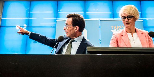 Moderaternas partiledare Ulf Kristersson och ekonomisk politiska talesperson Elisabeth Svantesson. Magnus Hjalmarson Neideman/SvD/TT / TT NYHETSBYRÅN