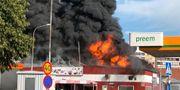 Branden har brutit ut nära en bensinmack Halmstads kommun