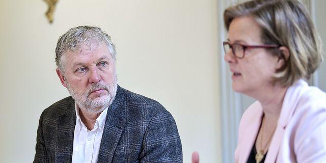 Biståndsminister Peter Eriksson och SIDA:s general direktör Carin Jämtin.  TT