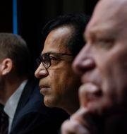 Fireeyes vd Kevin Mandia, Solarwinds vd Sudhakar Ramakrishna och Microsofts ordförande Brad Smith frågades ut av senatens underrättelsekommitté om det omfattade Solarwindshacket, som uppdagades förra året.  Drew Angerer / TT NYHETSBYRÅN