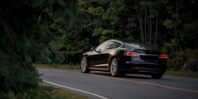 Se till att kontrollera rätt saker innan du köper en begagnad elbil.  Unsplash