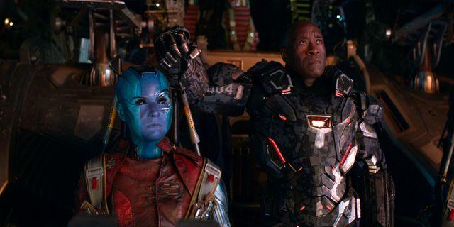 """Karen Gillan och Don Cheadle i filmen """"Avengers: Endgame"""". TT NYHETSBYRÅN"""