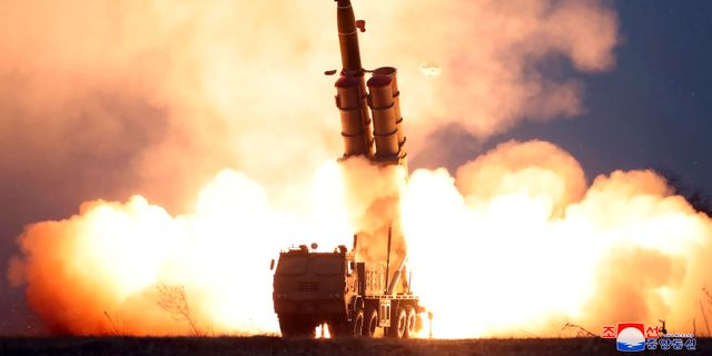 En testskjutning av en raketramp i Nordkorea, enligt landet självt.   Nordkoreas regering/TT NYHETSBYRÅN