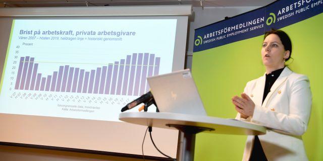Arbetsförmedlingens arbetsmarknadsanalytiker Anneli Almérus.  Pontus Lundahl/TT / TT NYHETSBYRÅN