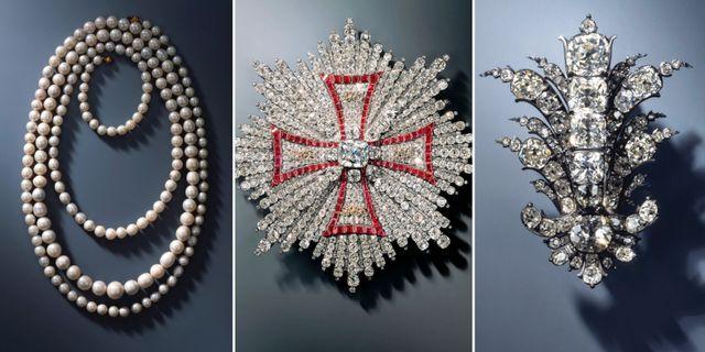 Pärlhalsband med 177 pärlor, kraschan från Vita örnens orden, diamantsmycke. TT