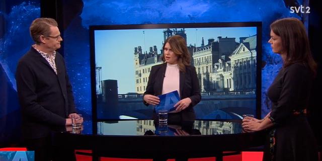 Per Schlingmann och Veronica Palm (höger) i Aktuellts studio. SVT