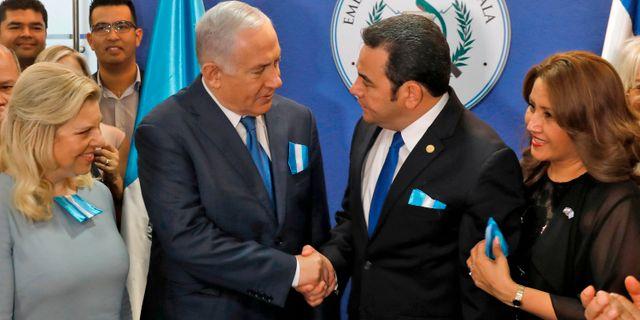 Netanyahu och Morales under invigningen. RONEN ZVULUN / POOL