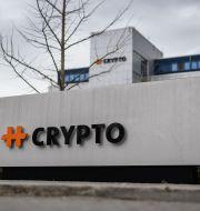 Företaget som tillverkat kryptoutrustningen. FABRICE COFFRINI / AFP