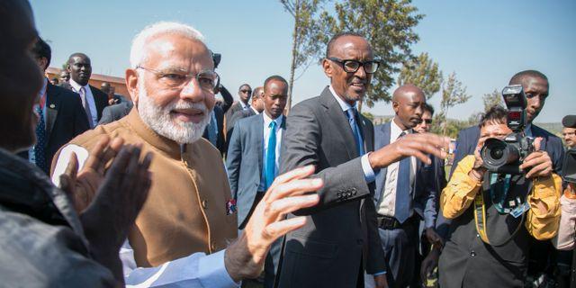 Narenda Modi och Paul Kagame. Stringer / TT NYHETSBYRÅN/ NTB Scanpix