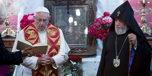 Påve Franciskus besökte ett minnesmonument i Jerevan under lördagen. TT NYHETSBYRÅN