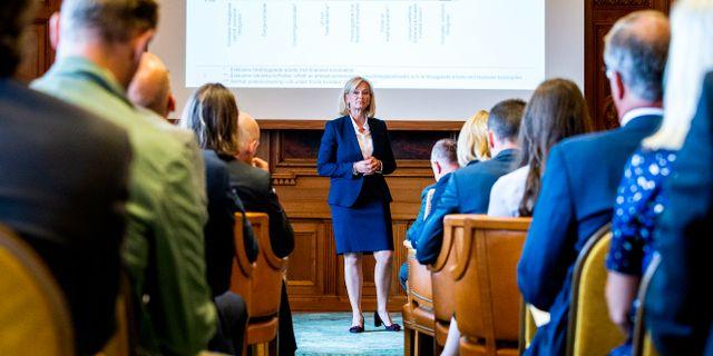 Förra året var var tredje person i Handelsbankens ledningsgrupp en kvinna, nu är bara en kvar och hon är vd, Carina Åkerström. Magnus Andersson/TT / TT NYHETSBYRÅN