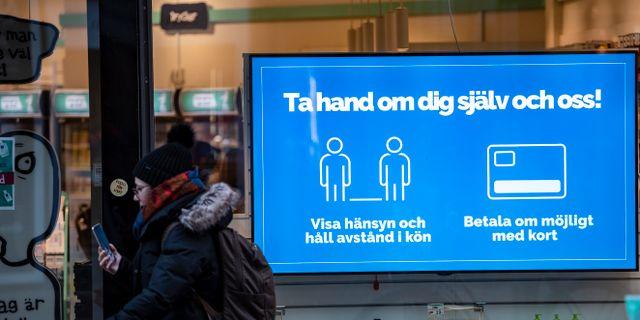 Uppmaning i Malmö om att hålla avstånd. Johan Nilsson/TT / TT NYHETSBYRÅN