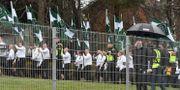 Nazistiska organisationen Nordiska motståndsrörelsen (NMR) demonstrerar i Ludvika på 1 maj. Ulf Palm/TT / TT NYHETSBYRÅN