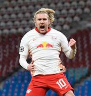 Emil Forsberg under matchen mot PSG. ANNEGRET HILSE / BILDBYRÅN