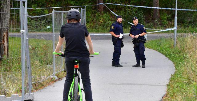 Avspärrningar i Solna på fredagen. Jonas Ekströmer/TT / TT NYHETSBYRÅN