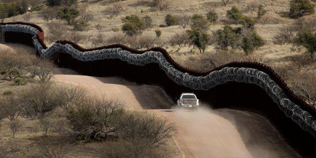 Arkivbild från gränsen mellan USA och Mexiko.  Charlie Riedel / TT NYHETSBYRÅN/ NTB Scanpix