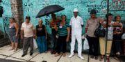 Invånare i den kubanska staden Santa Clara.  STRINGER / TT NYHETSBYRÅN