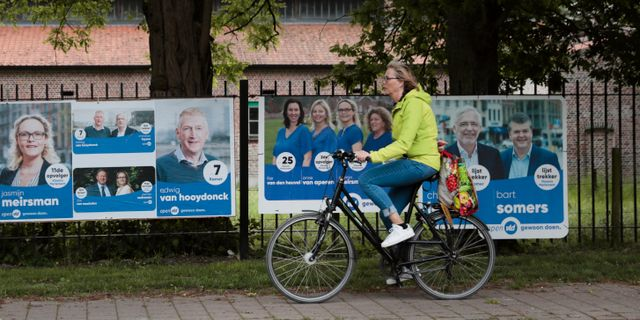 Affischer inför valet i belgiska Wuustwezel. Virginia Mayo / TT NYHETSBYRÅN/ NTB Scanpix