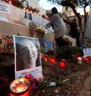 Minnesceremoni för den mördade journalisten Daphne Caruana Galizia på Malta.  DARRIN ZAMMIT LUPI / TT NYHETSBYRÅN