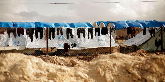 Bild från al-Hol-lägret i Syrien, där många IS-familjer sitter fängslade.  Maya Alleruzzo / TT NYHETSBYRÅN