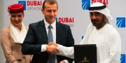 Airbus vd Guillaume Faury med Ahmed bin Said al-Maktum. Jon Gambrell / TT NYHETSBYRÅN