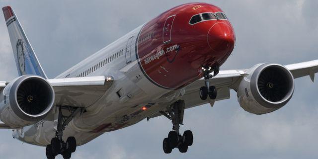 Dreamliner som tillhör Norwegian på väg in för landning på bana 3 på Arlanda flygplats. Arkivbild. Johan Nilsson/TT / TT NYHETSBYRÅN
