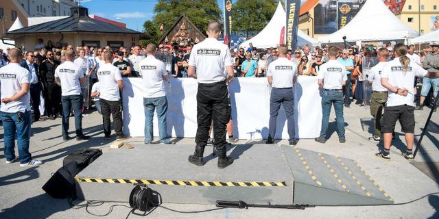 Medlemmar i nazistiska gruppen Nordiska motståndsrörelsen (NMR). Henrik Montgomery/TT / TT NYHETSBYRÅN