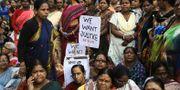 Arkivbild. Indiska kvinnor protester mot våldtäkt. TT