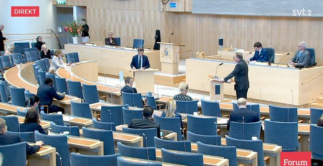 Ulf Kristersson och Stefan Löfven under debatten. SVT