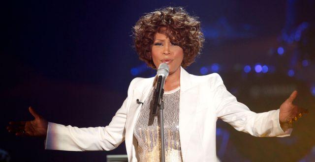 Whitney Houston under ett uppträdande 2009. JOHANNES EISELE / TT NYHETSBYRÅN
