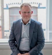 Statsvetaren Henrik Ekengren Oscarsson och den liberala duon Juno Blom och Nyamko Sabuni. TT